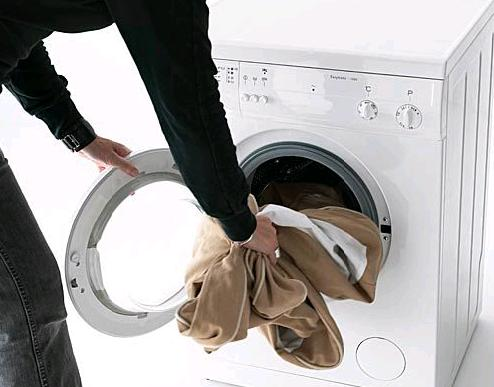 Прыгает и скачет при работе! Что делать, если при отжиме стиральная машина прыгает?